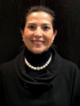 Dr. Adriana Flores